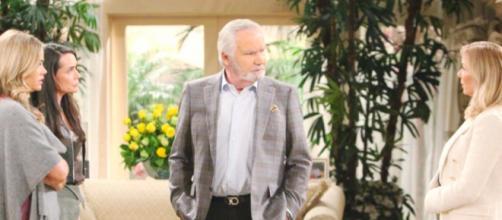 Beautiful, trame americane: Brooke chiede a Eric di separarsi da Quinn.