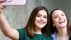 Larissa Manoela e Maísa tiram o sábado para visitar Clara, filha de Tatá Werneck