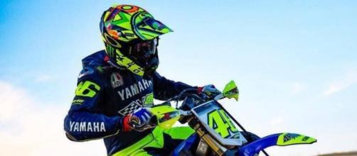 Valentino Rossi torna ad allenarsi con le moto da cross