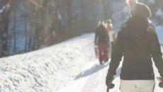 5 sport invernali da praticare a gennaio: dallo sci di fondo allo snowkiting