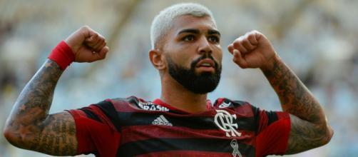 Gabigol aguarda propostas da Europa, mas Flamengo segue com atacante na mira. (Arquivo Blasting News)