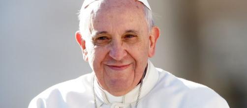 """Papa Francesco: """"polemiche dopo il gesto nei confronti di una fedele."""