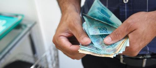 Salário mínimo vai a R$ 1.039 em 2020. (Arquivo Blasting News)