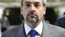 Colunista critica forma que ministro da Educação lidou com os erros do Enem