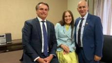 Globo revela que Regina Duarte terá que se demitir caso aceite assumir cargo político