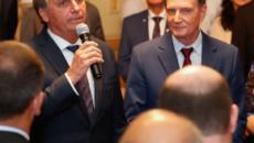 Bolsonaro se encontra com Crivella e evangélicos no Rio