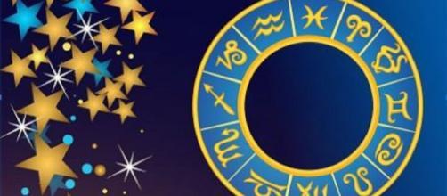 L'oroscopo di domani 22 gennaio: opportunità per Bilancia, Scorpione diffidente