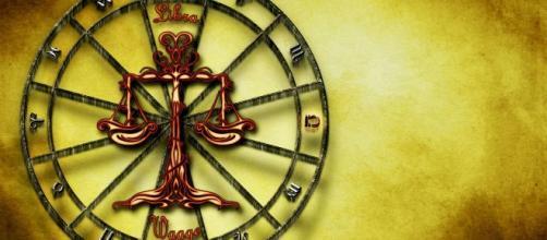L'oroscopo di febbraio sull'amore e il lavoro della Bilancia.