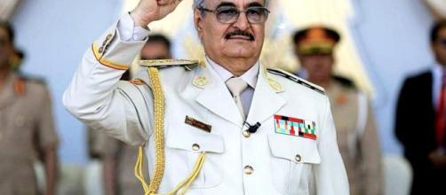 Il generale e politico libico Haftar.