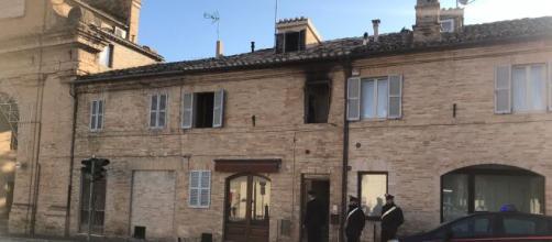 Servigliano, bimba morta in incendio: la mamma l'avrebbe prima soffocata con un cuscino.