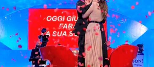Uomini e Donne, Giulio Raselli ha scelto Giulia D'Urso.