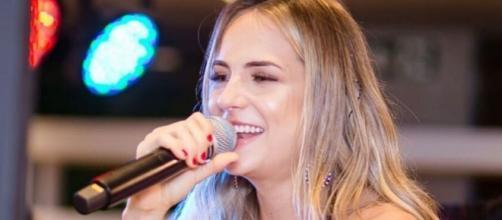 A cantora Gabi Martins durante apresentação em Minas Gerais: ela foi confirmada no Camarote do 'BBB20'. (Reprodução/Instagram)