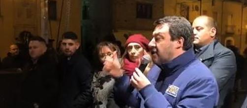 Matteo Salvini durante uno dei suoi comizi per la campagna elettorale.