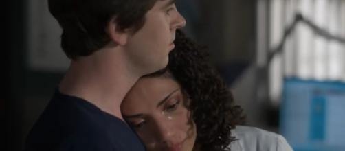 'The Good Doctor' Shaun (Freddie Highmore) comforts and affirms Carly's idea to save a patient's life in 'Mutations.' [Image source: ABC/YouTube]