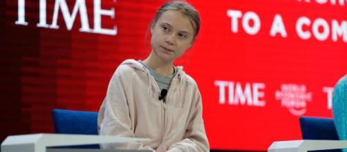 Thunberg viaja a Davos junto com outros ativistas para discutir assuntos ambientais e sua fala é rejeitada por Trump. (Arquivo Blasting News)