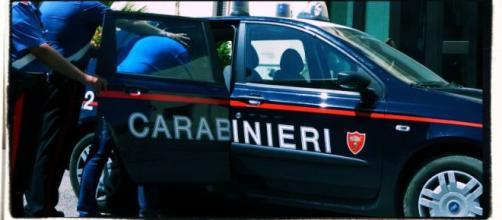 Il padre e marito violento è stato arrestato dai Carabinieri.