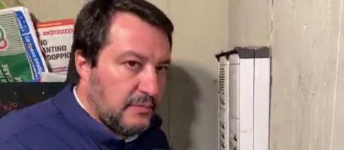 Salvini citofona a un presunto spacciatore