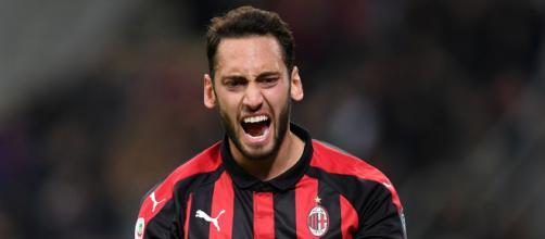 Calciomercato Milan: Calhanoglu verso la Premier.