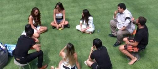 Os nove famosos não tão famosos assim do grupo Camarote na estreia do 'BBB20'. (Reprodução/TV Globo)