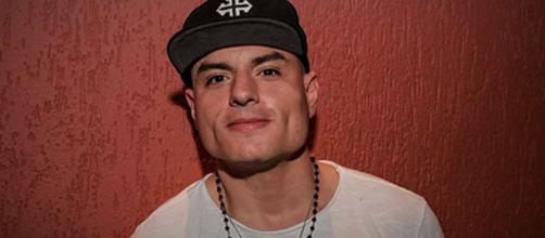 Revoltado com a ex-mulher, Carlinhos Mendigo diz entender o goleiro Bruno. (Arquivo Blasting News)