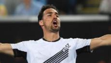 Tsitsipas saluta gli Australian Open, mentre stavolta a Fognini bastano tre set