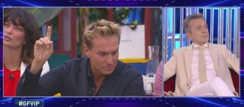 GF Vip, Pasquale Laricchia nel mirino dell'ex fidanzata Victoria: 'Mi trattavi come un oggetto'.