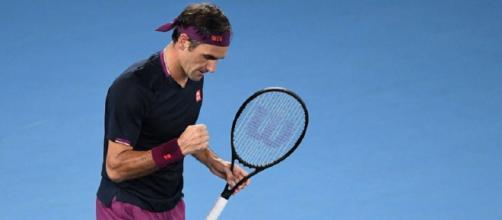Roger Federer batte John Millman in cinque set e stacca il biglietto per gli ottavi agli Australian Open.