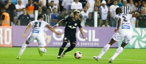 Santos e RB Bragantino enão acharam o caminho do gol. (Arquivo Blasting News)