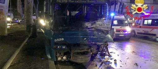 Roma, incidente a Tivoli Terme tra auto e bus Cotral: morti due ragazzi | tusciaweb.eu