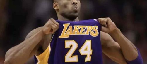 Kobe Bryant è deceduto: il campione di basket vittima di un incidente in elicottero