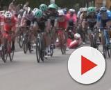 La caduta nella prima tappa della Vuelta San Juan, in Argentina