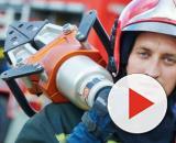 Vigili del fuoco: scontri a Parigi con la polizia.