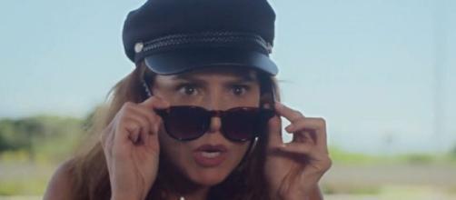 Alexia (Deborah Secco) em cena de Salve-se Quem Puder, novela das sete que estreia nesta segunda (27). Reprodução/TV Globo