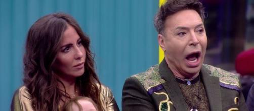 Anabel Pantoja y el Maestro Joao en 'El tiempo del descuento'