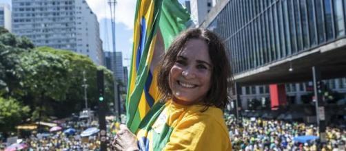 Regina Duarte tem demonstrando seu apoio ao Presidente Jair Bolsonaro. (Arquivo Blasting News)