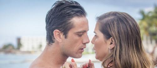 Renzo em cena com Alexia, que foi exibida no capítulo de terça (28). (Reprodução/TV Globo)