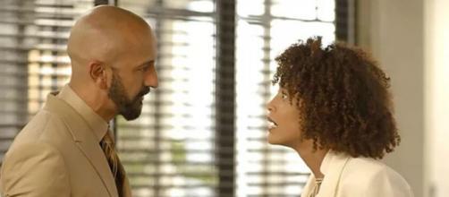 Vitória enfrenta Álvaro em cena de 'Amor de Mãe'. (Reprodução/TV Globo)