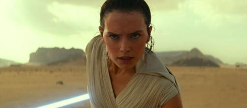 """""""Star Wars"""" fans are demanding the release of the J.J. Cut of """"Rise of Skywalker."""" [Image Credit] Star Wars/YouTube"""