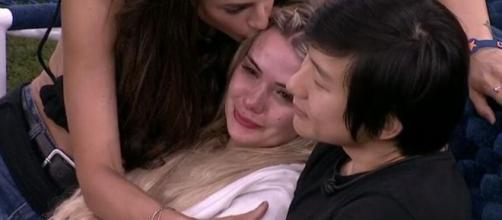 'BBB20': Marcela chora no confinamento do 'BBB20'. (Reprodução/TV Globo)