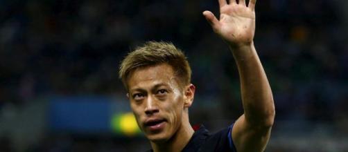 Keisuke Honda pede um carro blindado para poder fechar com o Botafogo e morar no Rio de Janeiro. (Arquivo Blasting News)