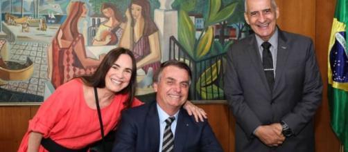 Regina Duarte aceita convite de Bolsonaro para pasta da Cultura. (Marcos Corrêa/PR/Flickr)
