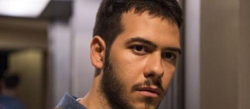 Vinícius morre baleado em 'Amor de Mãe'. (Reprodução/TV Globo)