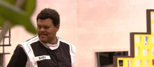 Babu Santana durante a prova do anjo, que foi disputada nesta sexta (31) com apenas mais três participantes. (Reprodução/TV Globo)