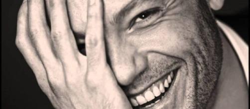 Tiziano Ferro dona il cacher di Sanremo in beneficenza