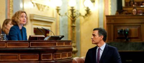 El último bandazo de Pedro Sánchez: diálogo sobre la Constitución
