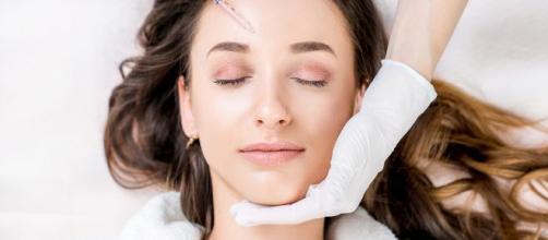 La cirugía plástica refleja el estigma social de la belleza.