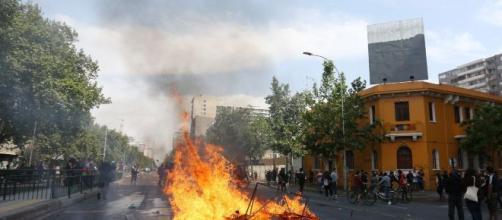 Primera protesta en Santiago de Chile del 2020.