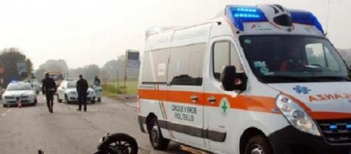 Scontro fatale tra auto e moto a Santa Francesca: perde la vita un diciottenne.