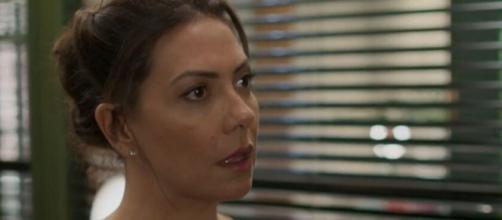 Nana vai ameaçar o vilão e a ex-assistente. (Reprodução/TV Globo)