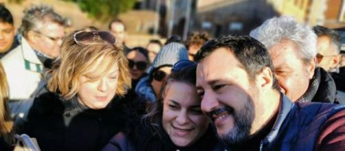 Pensioni, Salvini: 'Se proveranno a cancellare Quota 100 faremo le barricate'